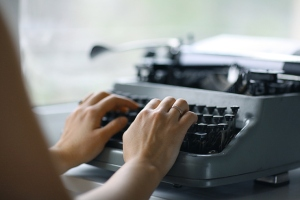 TYPING--shutterstock_215866516
